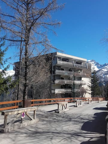 1 studio flat in Praloup, 50m away from ski slopes