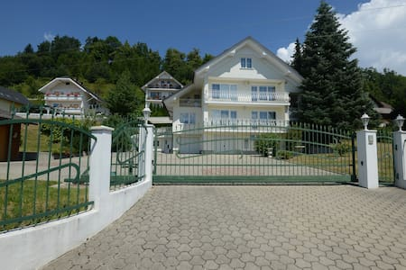 Spacious Villa with Private Garden near Lake Bled - Zasip