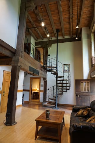 Breckinridge Mill Grand Space apartment