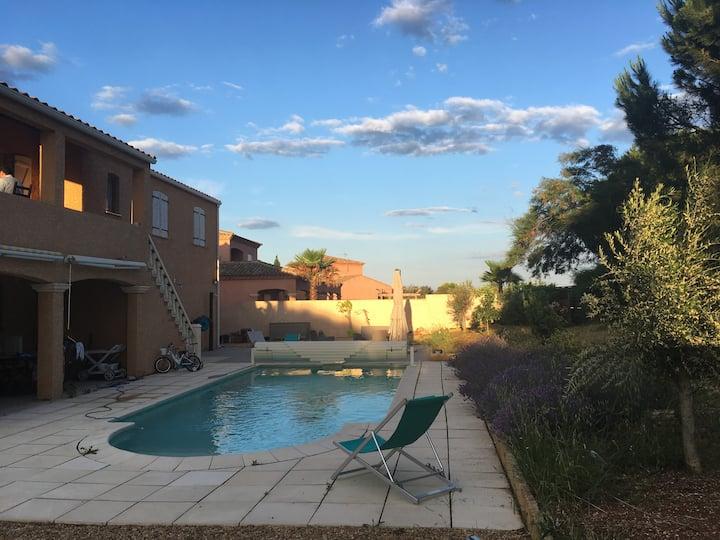 Villa de 140 m² avec piscine et jardin