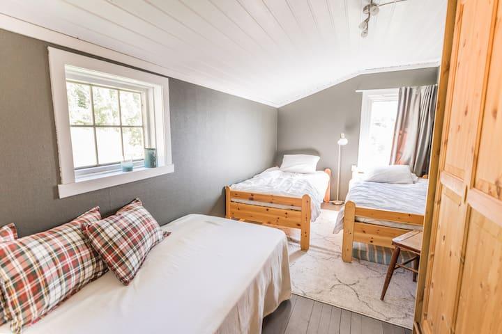 Second floor, 3 single beds, bedroom 4