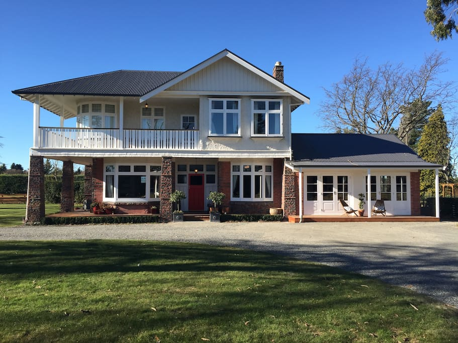 Northfield Luxury Accommodation Houses For Rent In