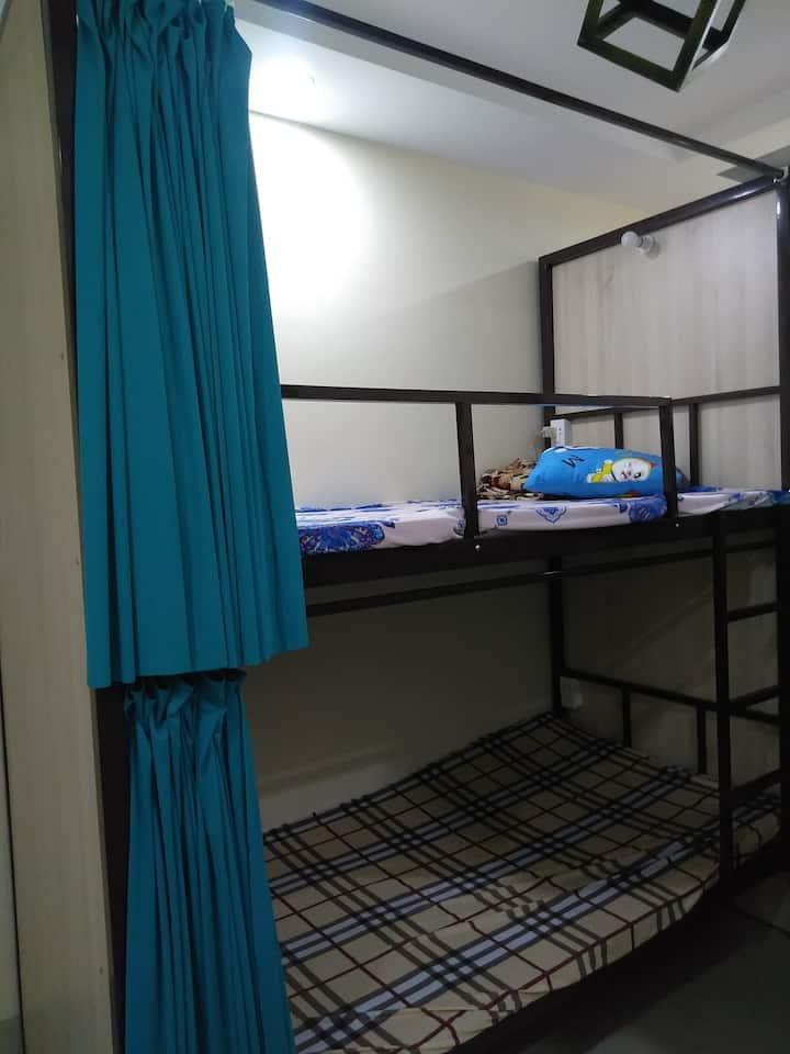 Sleepbox D.7 only 4 USD/night