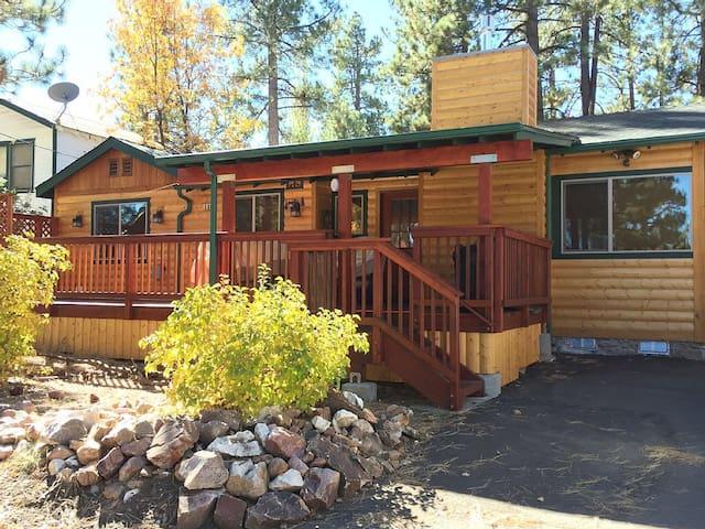 Warm and Inviting Lake Pines Cabin - Big Bear Lake - Cabin