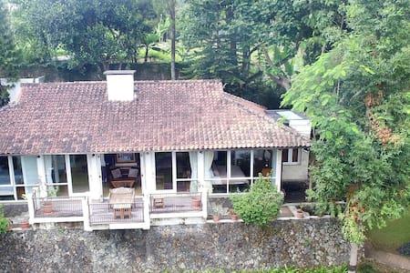 Villa Lembang MW100 - Lembang - Vila