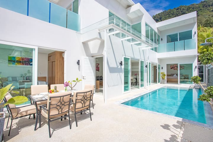Introducing Pool Villa Skylight⬖Stunningly Modern!