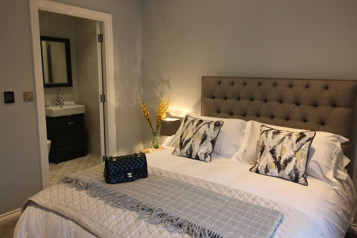 Luxury City Centre Apartment in Cathedral Quarter