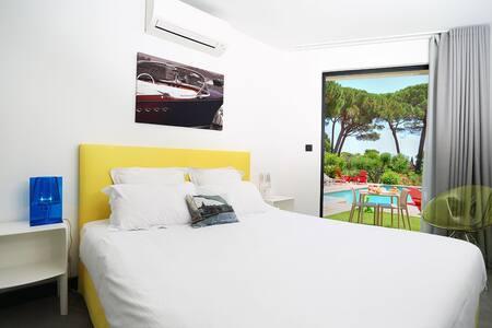 Villa Californie - Grimaud - Bed & Breakfast