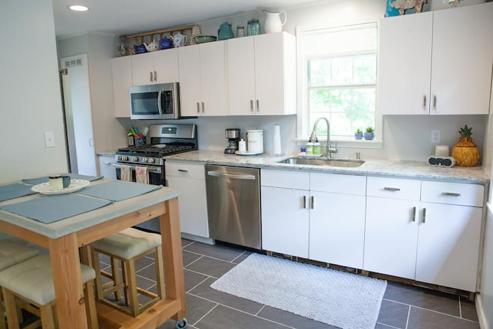 Full kitchen with new stainless steal appliances