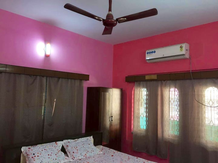 Southern Wind Home Stay , South Kolkata