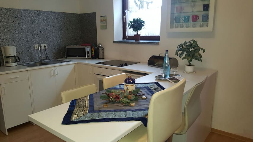 Idyllic apartment with parking - Kempen