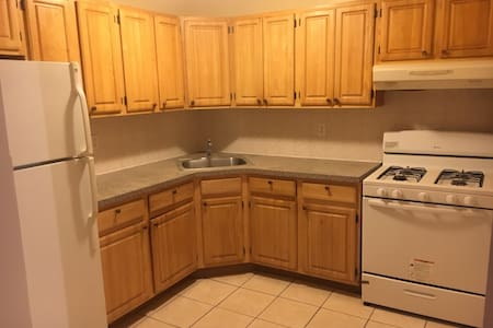 Dorm style shared room in Sunnyside - Queens