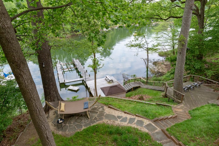 CHASE CREEK RETREAT an Annapolis getaway on the Severn River.