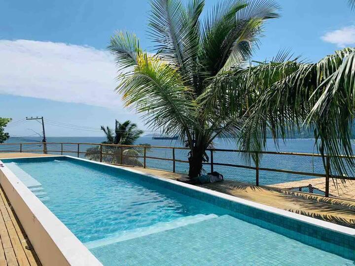 Suíte 18 - frente ao mar com piscina