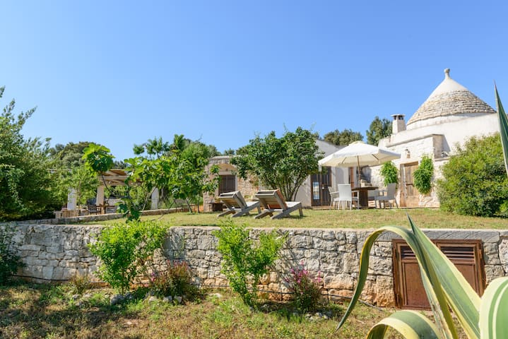 Magic Historic Trullo - Relax among Olive trees