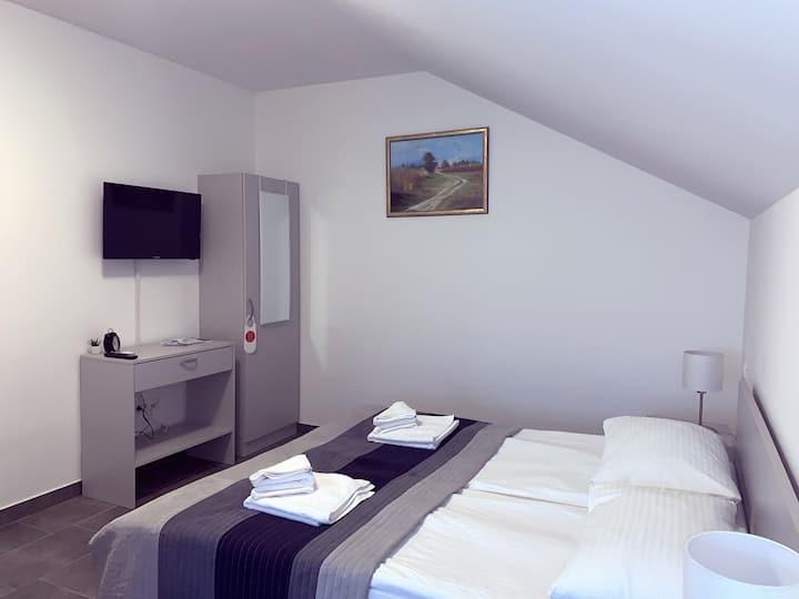 """Filipović Apartments """"Room 5"""""""