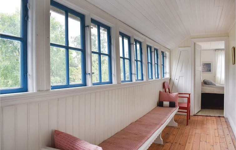 Holiday cottage with 4 bedrooms on 150m² in Höllviken