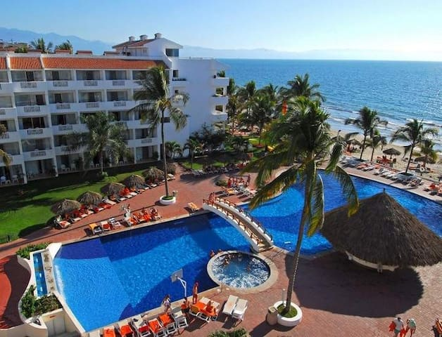 Luxury One Bedroom condo in a 5 Star Resort. - Nuevo Vallarta - Bed & Breakfast