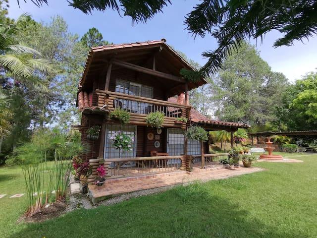 Casa cabaña  Guatape  con vista al lago y al Peñol