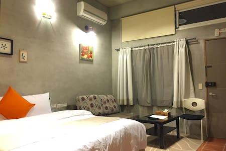 台東民宿, 小馬客棧, 202房, 雙人床, 單人入住7晚 - Chenggong Township