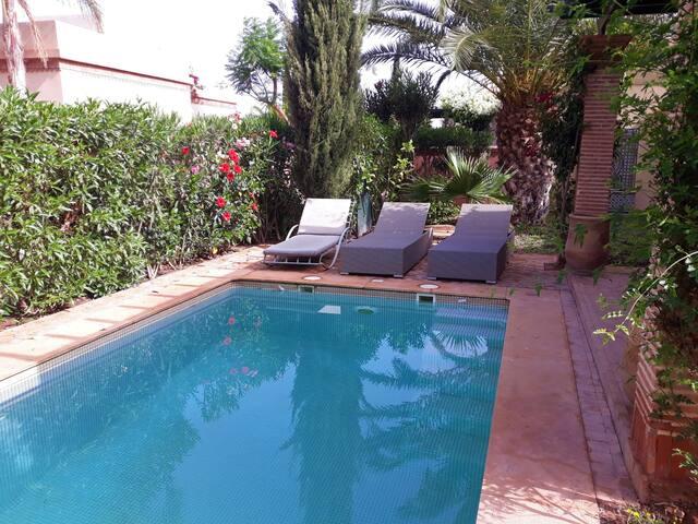 (11)Très belle villa, piscine privée, 2 chambres