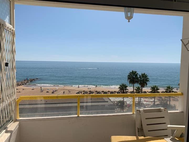 Apartamento espetacular em frente a praia