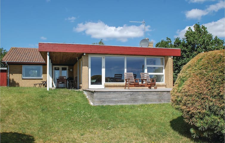 Holiday cottage with 2 bedrooms on 115m² in Ebeltoft