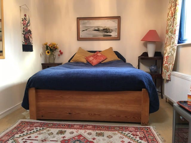 Double room in secluded bungalow