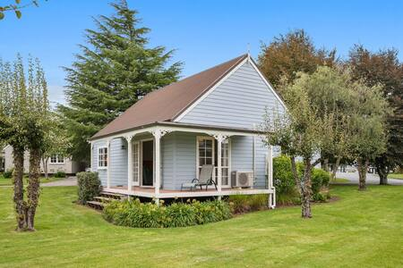 ✦ Wonderful 2BR Cottage Nr Huka Falls w Aircons ✦