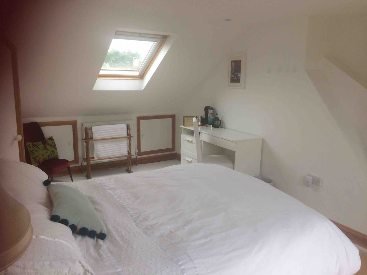 A lovely, bright & airy room - loft conversion - perfectly peaceful