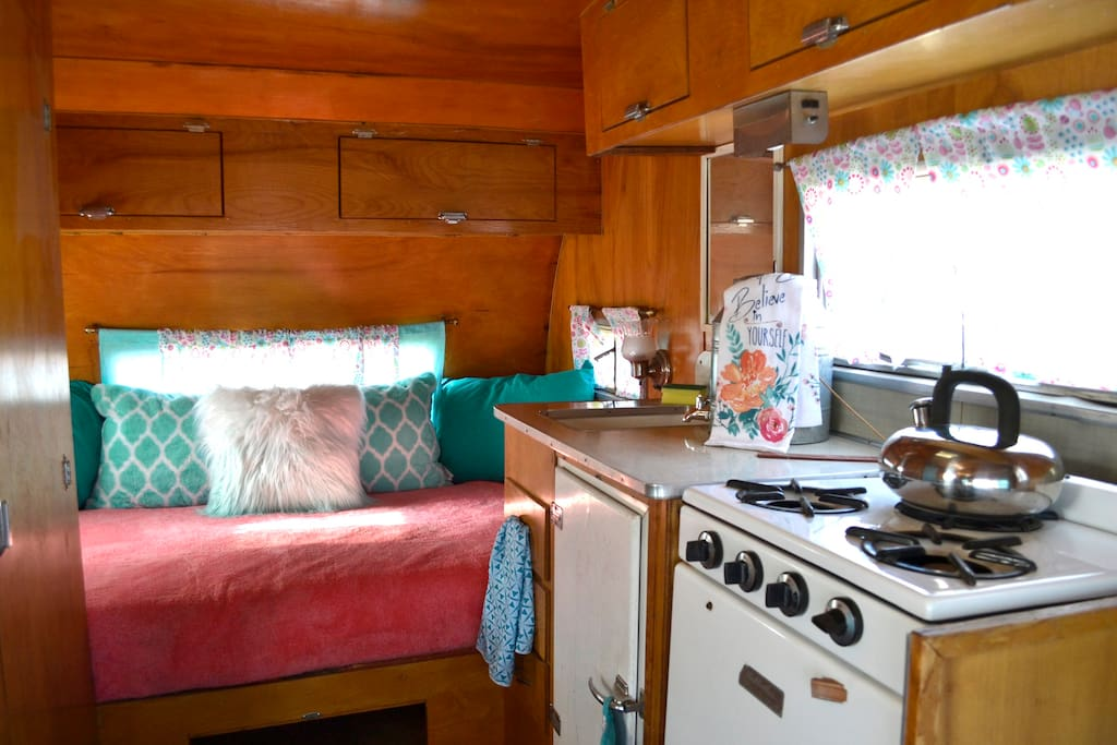 Bed and Kitchen.