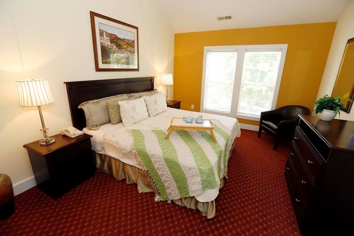 Great Summer! Private cottage in exclusive resort! - Williamsburg - House