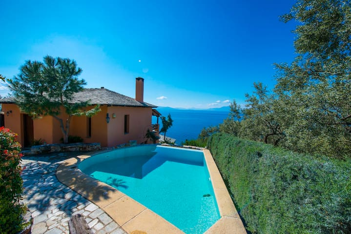 PELION HOMES | PARADISE VILLA WITH POOL! - Kato Gatzea - 一軒家