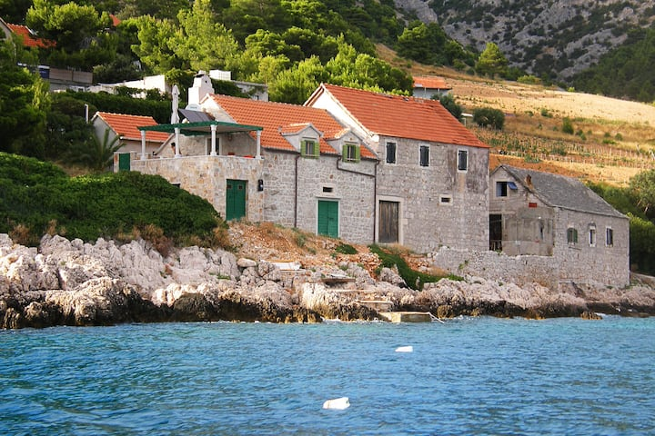 Charming Stone Seaside Apartment - Brac (2+2)