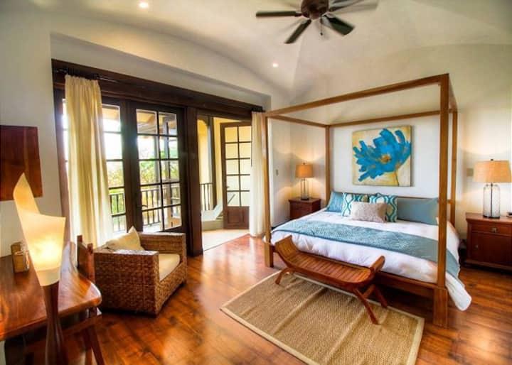 Villa Mansita  is a short Walk to Beach in Hacienda Pinilla!