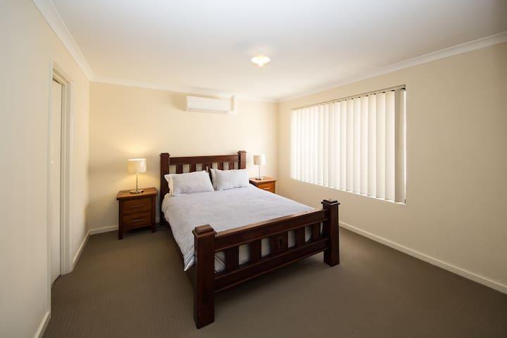 Cosy Lodge Cannington - Close to Perth City