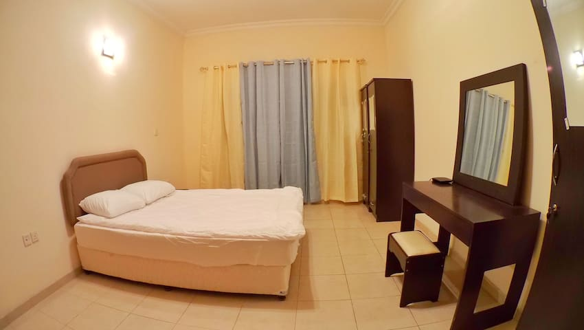 Private Bed room, near mall of the Emirate