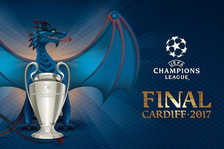 Champions League Final House Stay & Transport - Risca - บ้าน