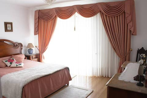 Tina`s House - Suite (500m Baleia/Sul Beach)