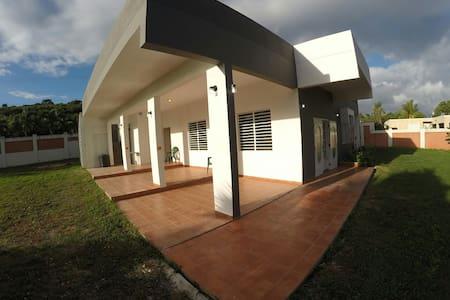 Villa Salcedo a Caribbean Paradise! - Quebradillas - 独立屋