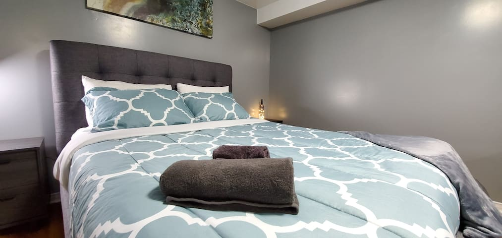 ★2 Gorgeous Bedrooms★1 Private Bath in Shared Home