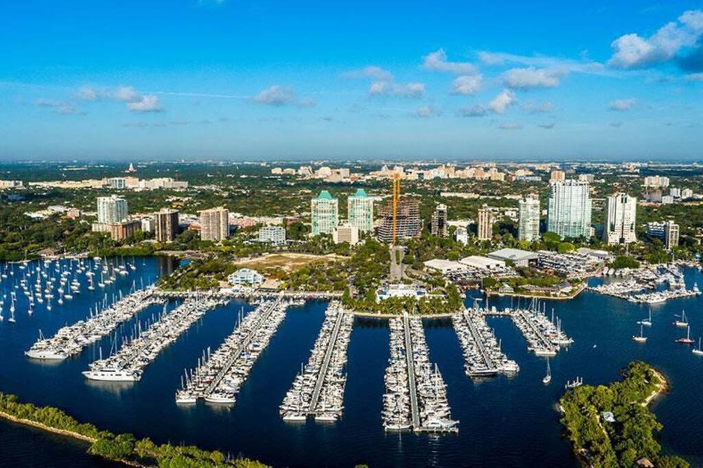 Best location for a great price.   Close to shops, restaurants and many sailing clubs. One block from Regatta Park.