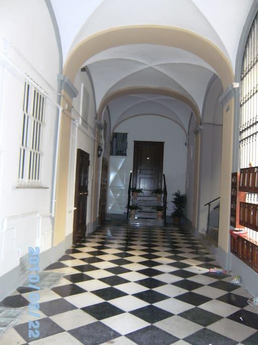 androne del palazzo
