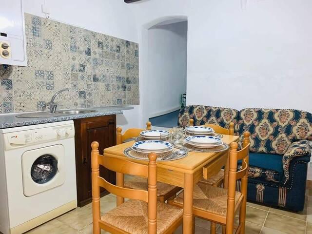 Cuarto en casa compartida/Room in a shared house