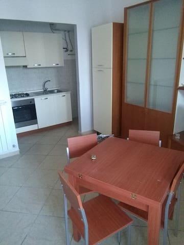 Marano di Napoli Cso Umberto I appartamento bianco