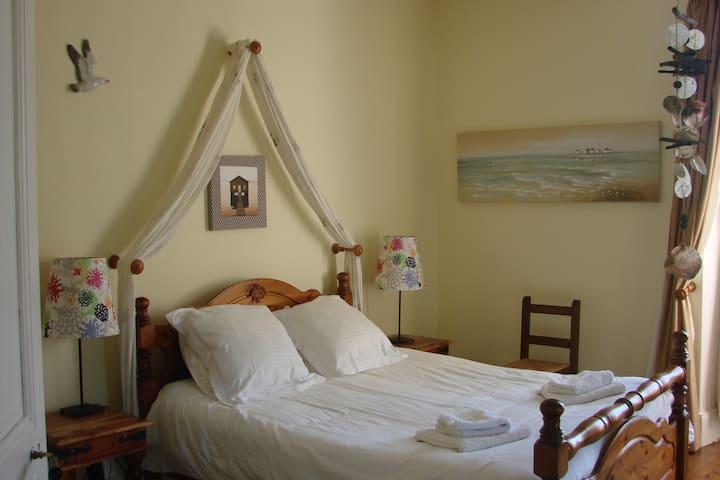 Les Loubejac chambre Océan - Sauveterre-la-Lémance