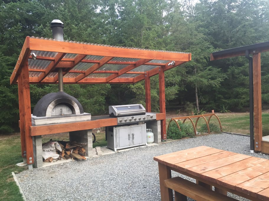 Covered Pizza Oven and Gas BBQ