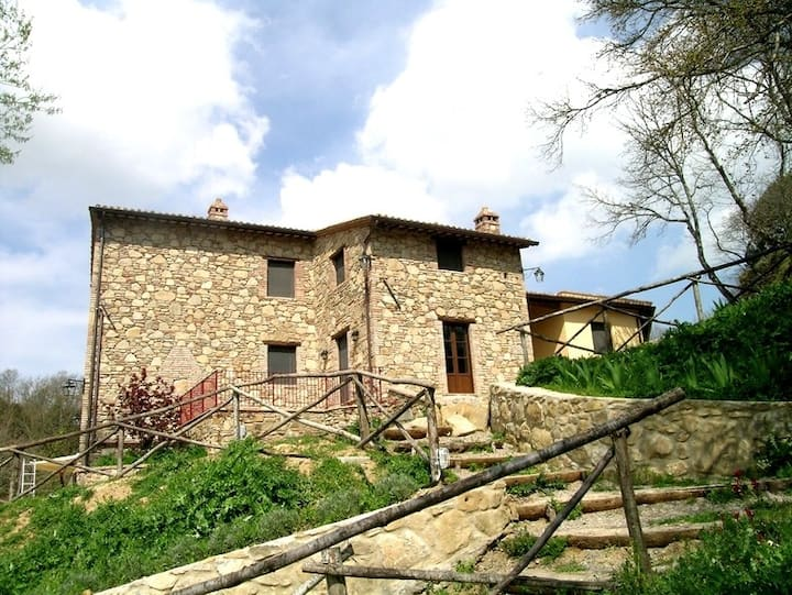 18th-cent. elegant villa w/pool + terrace.