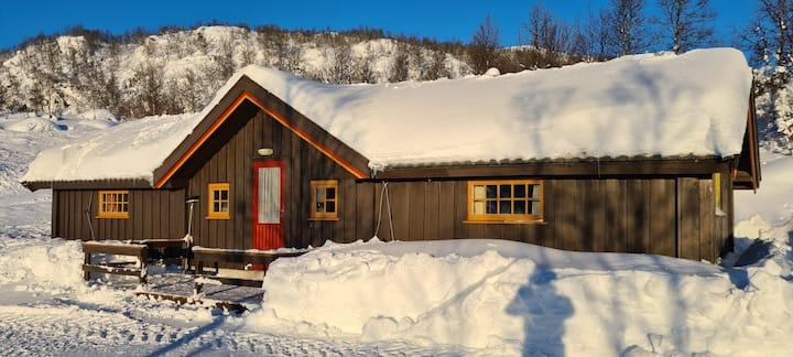 Koselig hytte med flott utsikt leies ut