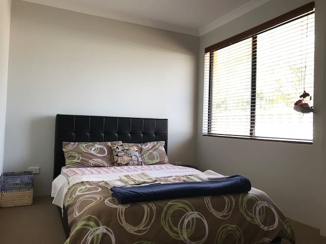 Cosy Private room in heart of bunbury!!!